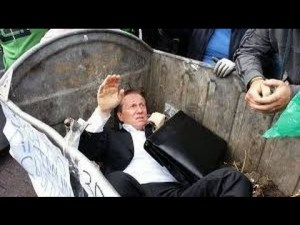 """UKRAINE'S PRESIDENT"" LIKE ALL ""CORRUPT POLITICIANS"" WILL END UP IN ""TRASH BIN""!"