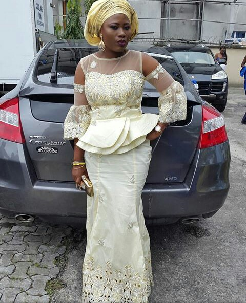 Beautiful And More Aso Ebi Styles amillionstyles.com @dwinbee