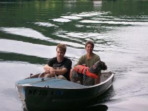 Jen Will & Tide in boat 002