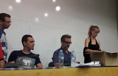 10/08/2017 Recuento de votos de la asamblea de trabajadores de Eulen.  Els treballadors d'Eulen, empresa encarregada dels filtres de seguretat de l'Aeroport de Barcelona-El Prat, han rebutjat la proposta de mediació de la Generalitat --acceptada per l'empresa--, consistent en un augment de sou de 200 euros en 12 pagues, i per tant no s'han desconvocat les vagues parcials convocades per als propers divendres i diumenge, ni la indefinida que es realitzarà a partir del proper dilluns.  CATALUÑA ESPAÑA EUROPA BARCELONA ECONOMIA