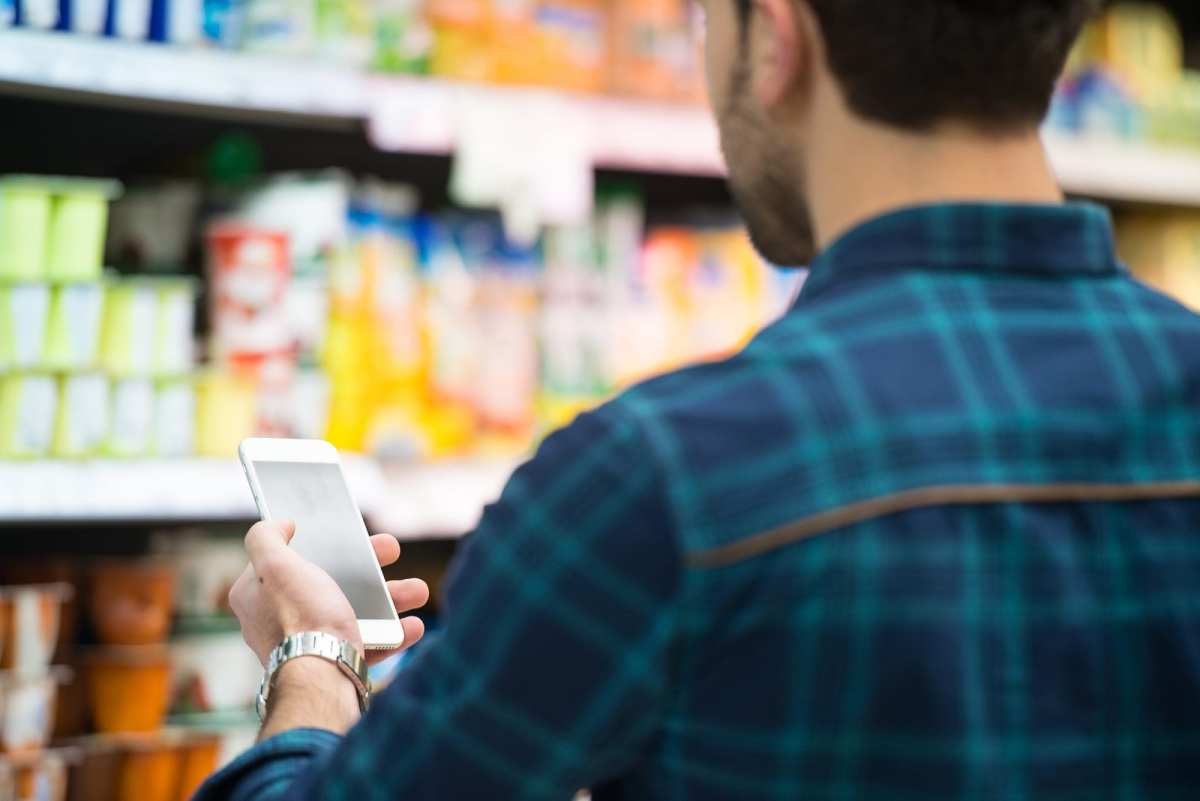 CASE STUDY: Smarter Solutions for Retail - Analyzing Customer Product Interaction
