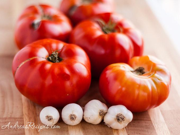 Andrea's Recipes - Homegrown tomatoes and garlic