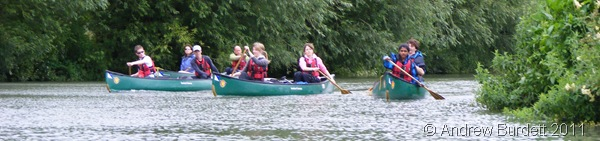 THE PADDLING PARTY_My fellow DofE-ers struggling to keep up - or rather, Jake and me going too quickly.