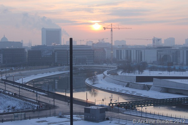MORNING SUN: The sun rises over Berlin. (IMG_7514)