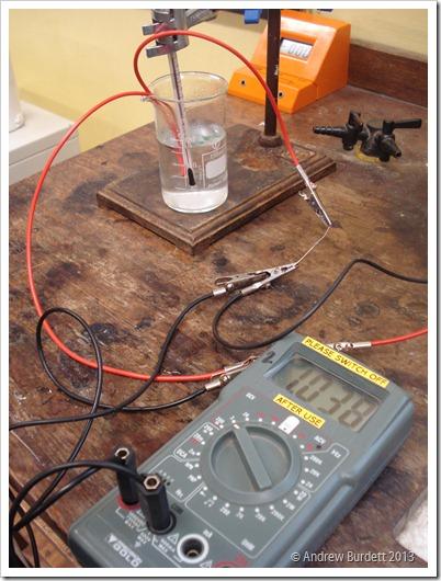 THE SETUP: A Precision Gold M135 multimeter measuring resistance of a thermistor. (DSC04448)