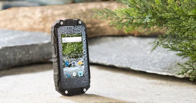 ideal als zweit handy mini outdoor smartphone f r nur 130 euro androidmag. Black Bedroom Furniture Sets. Home Design Ideas