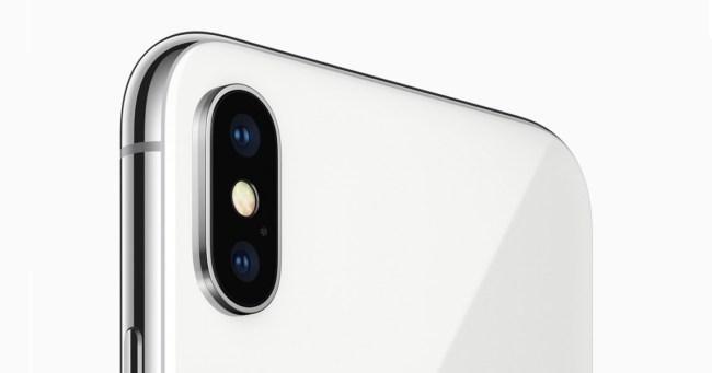 Zusätzlich zu der Weitwinkelkamera befindet sich auf der Rückseite des iPhone X eine Kamera mit Teleobjektiv, das einen zweifachen optischen Zoom ermöglicht. (Foto: Hartlauer)