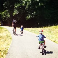 A nice place to bike with kids for lunch (Maggie Bluffs, Seattle)