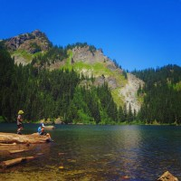 A family friendly hike that's a no-brainer if you have a 4x4 but still doable if you don't (Mirror Lake, Snoqualmie Pass, WA)