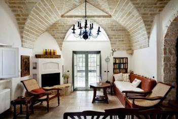 Besondere-Airbnb-unterkünfte-in-Europa-Trullo-Italien-Wohnzimmer