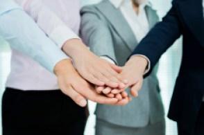 stock-photo-67393751-businesswomen-teamwork