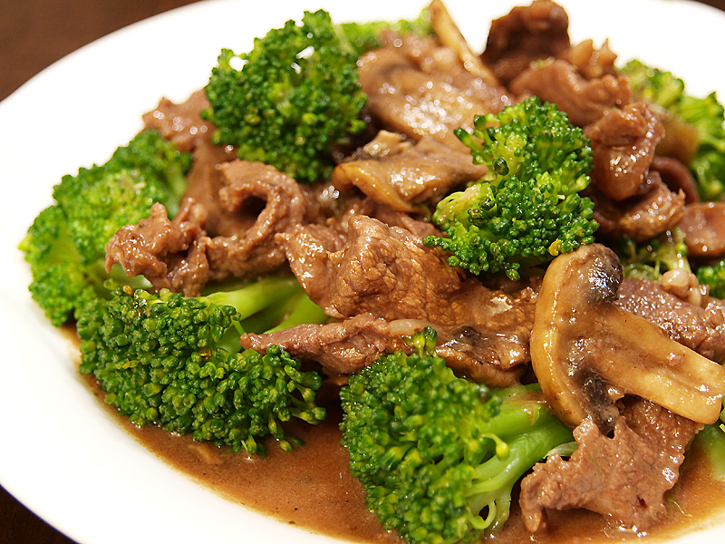 Beef and Broccoli in Oyster Sauce - Ang Sarap
