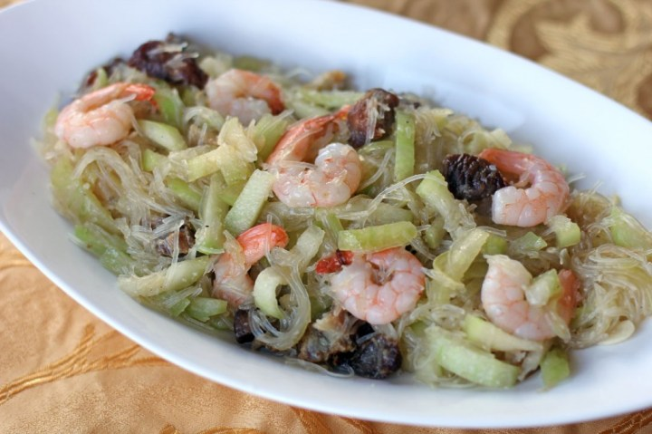 Stir Fried Hairy Gourd, Mungbean Vermicelli and Shrimps Wide