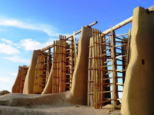 Những chiếc cối xay gió cổ đại ở thị trấn của Iran - 2