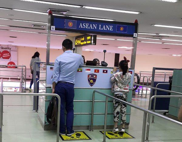 Cửa làm thủ tục hải quan ở Thái Lan