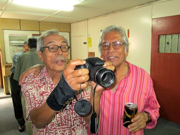 Joining Cecil at the launch was Penang-based black-and-white photographer par excellence Ismail Hashim, an Aliran founder member