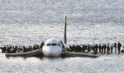 映画「ハドソン川の奇跡」モデルは実在の飛行機事故!犠牲者ゼロの生還劇がスゴイ