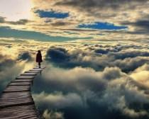 Το σύννεφο και ο αμμόλοφος (του Paulo Coehlio)