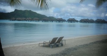 09-many-of-bora-boras-beaches-are-man-made-its-the-islands-lagoons-that-are-really-breathtaking