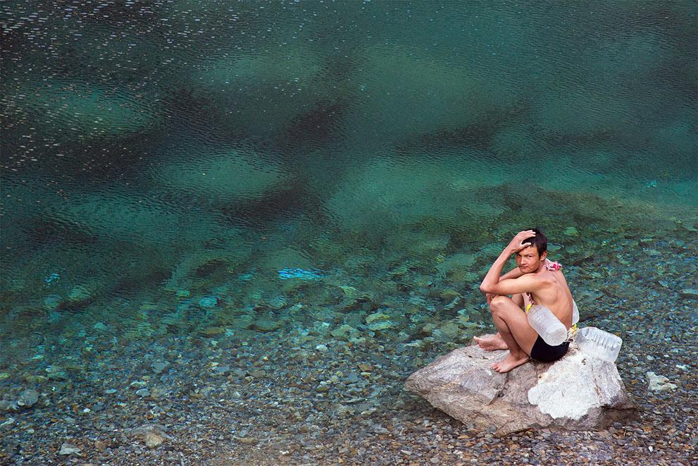 Το νερό για τους ανθρώπους , το νερό για τη Ζωή : Επτά λίμνες στο Τατζικιστάν. (© Mehdi Bemani Naeini