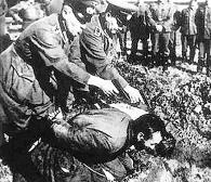Einsatzgruppen. Τα θανατηφόρα τάγματα θανάτου του Χίτλερ, με τους διανοούμενους ηγέτες