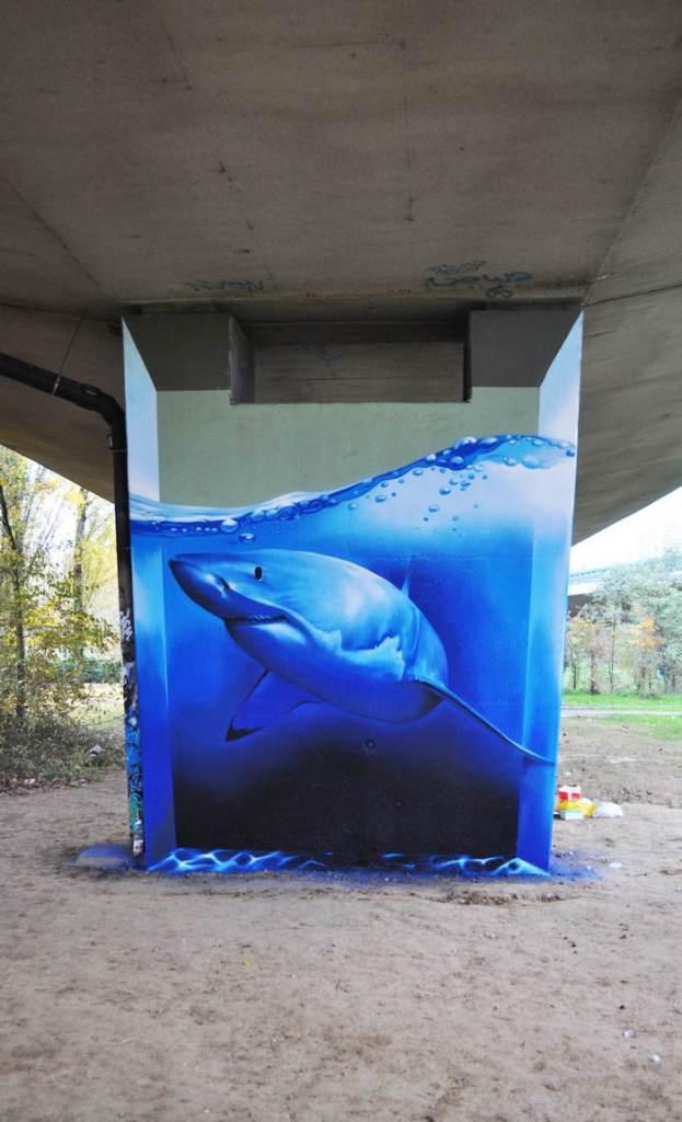street-art-2013-fish-tank