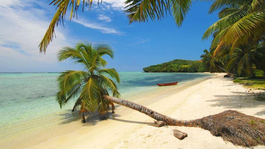 Εξωτική παραλία στη Μαγαδασκάρη