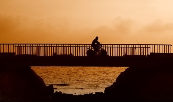bicycling-sunset