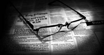 newspapers_and_glasses_700