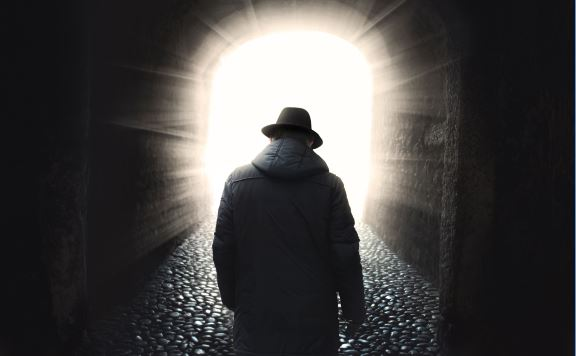 Páscoa é convite a caminhar para a luz