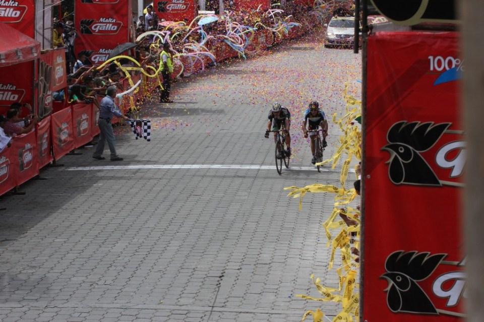 Vuelta Ciclista (19) (1)