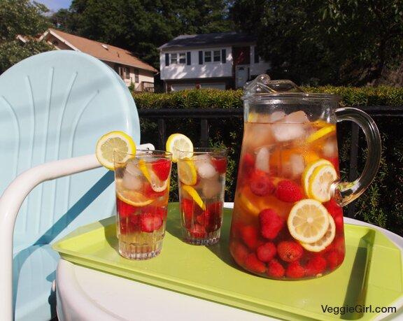 Strawberry Lemon Sangria Veggie Girl