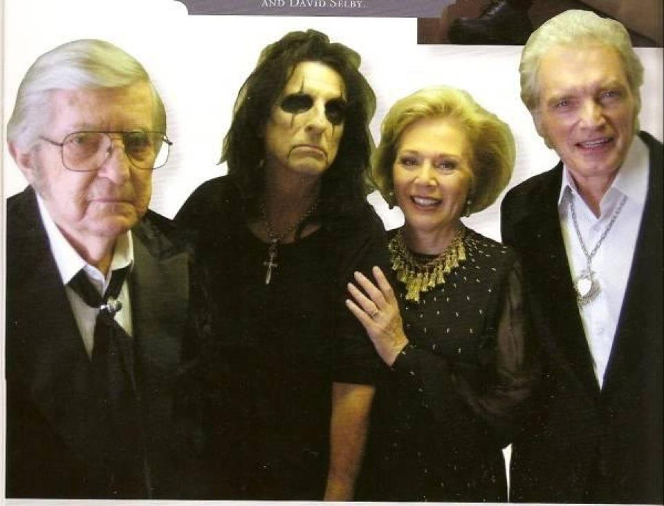 Original Cast of Dark Shadows Joins the New Cast in Some ...