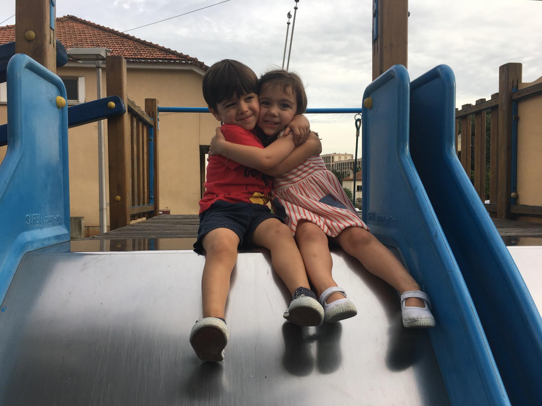 Dia dos irmãos aos pares