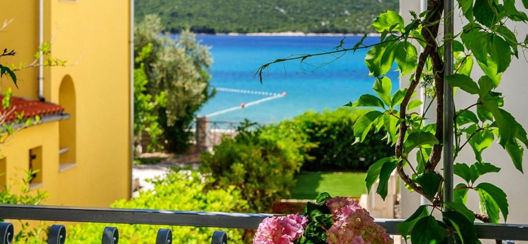 Partial view of the emerald green Adriatic sea