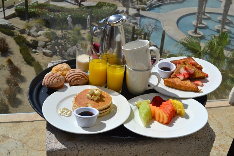 breakfast in bed cabo