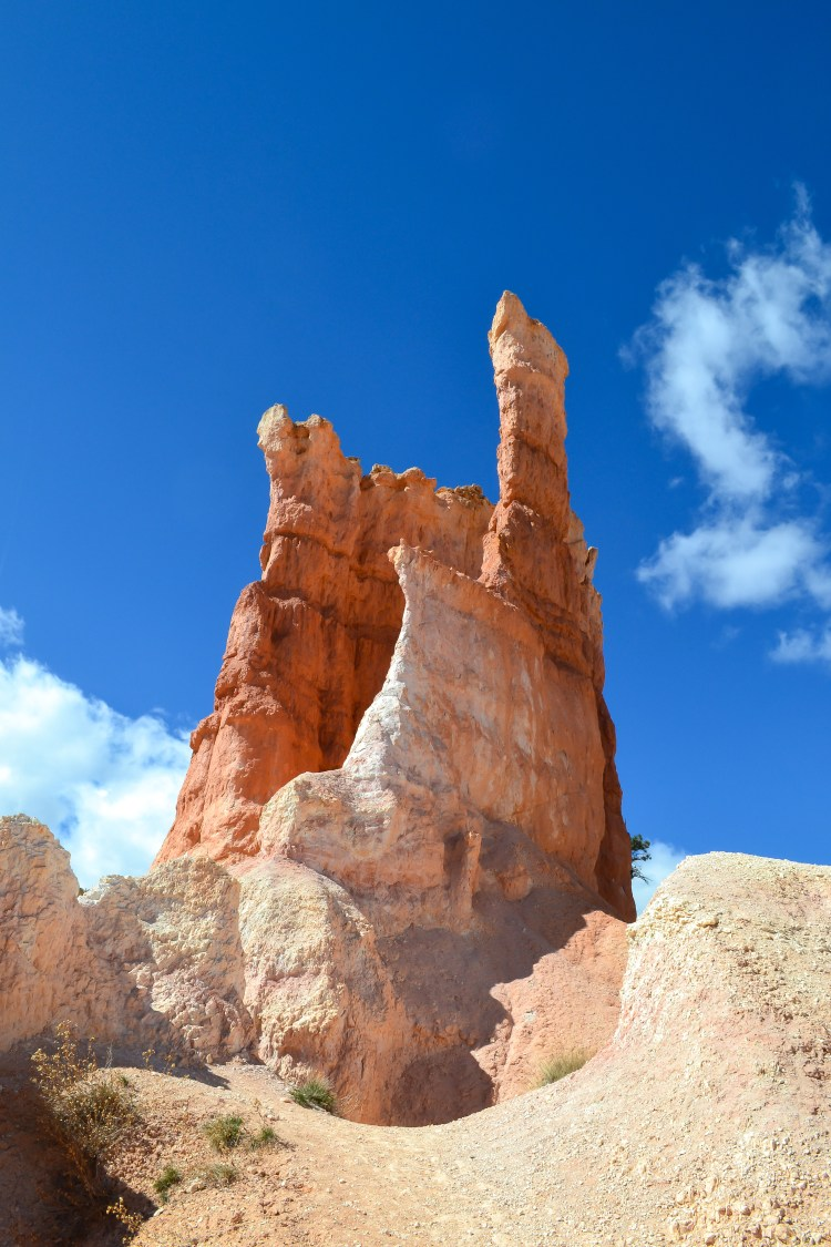 Hiking to the Hoodoos in Bryce Canyon National Park | www.apassionandapassport.com