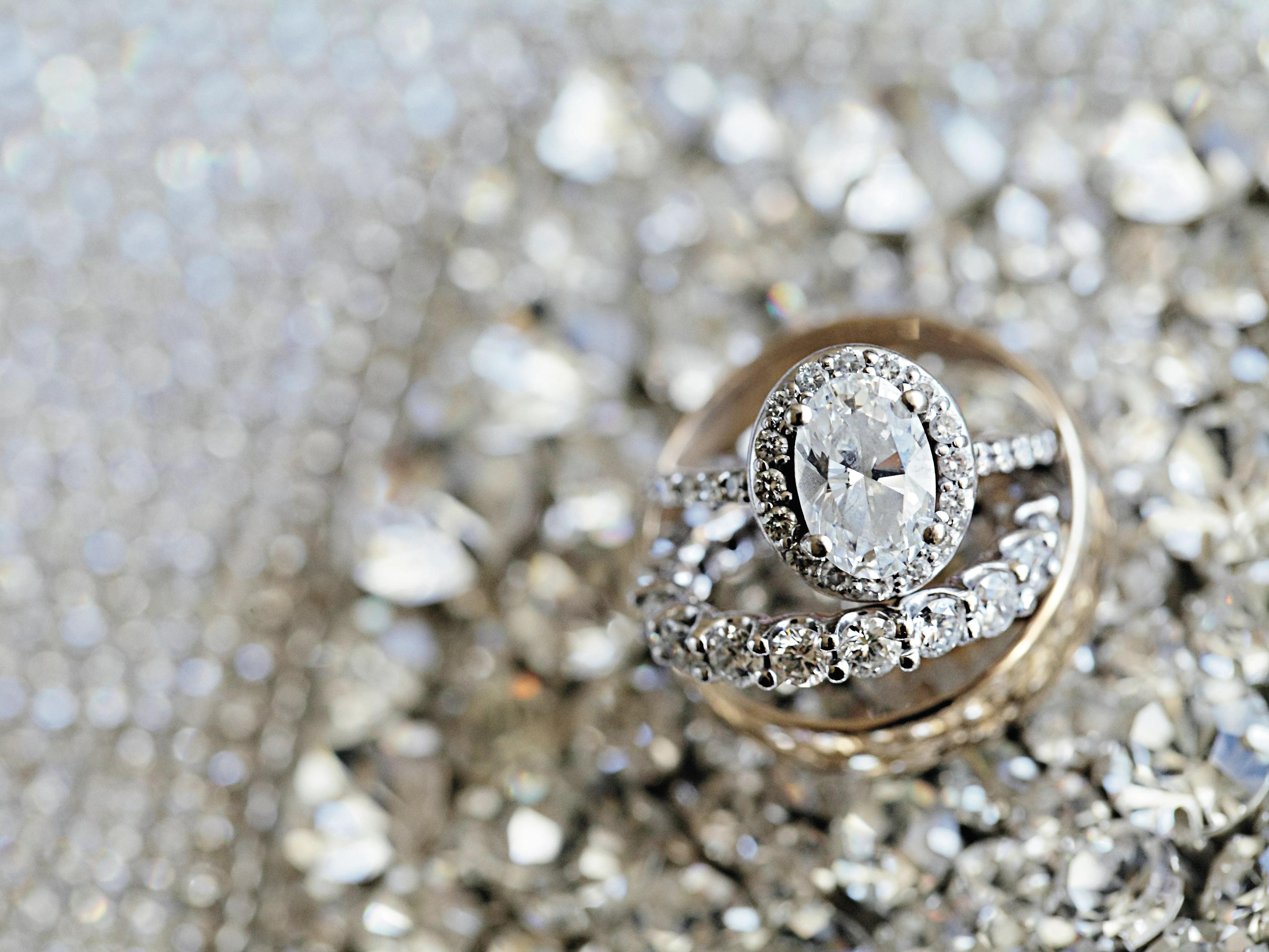 wedding rings engraving ideas tips wedding ring engraving