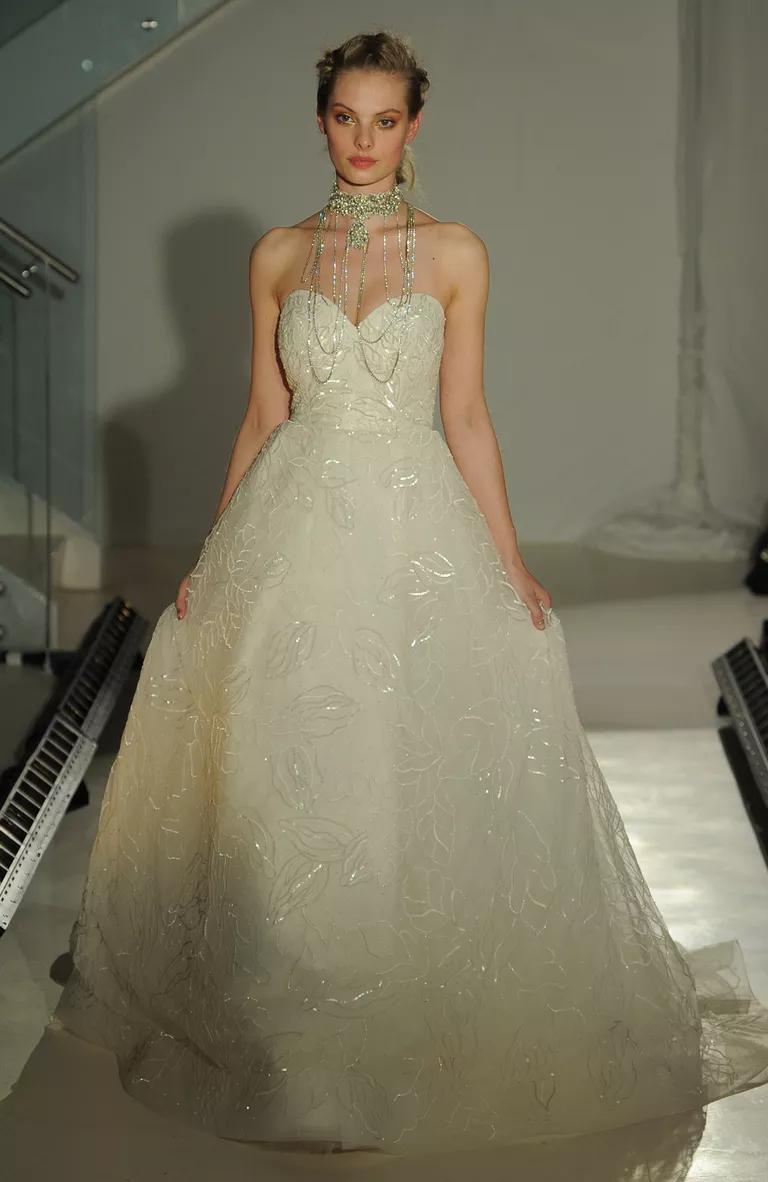 lazaro wedding dresses bridal fashion week spring plunge wedding dress Strapless sweetheart floral ball gown wedding dress for Lazaro Spring