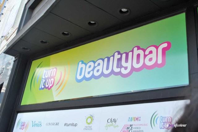 Beauty bar sign