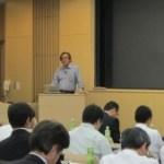 講演される東京大学・山口由岐夫先生