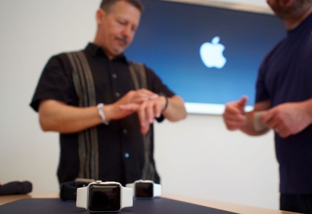 04_10_2015_Apple_Store_Watch_Express_preview-1-640x480