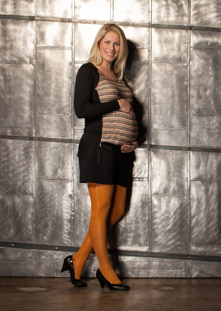 preggers_lifestyle_your_golden_tights
