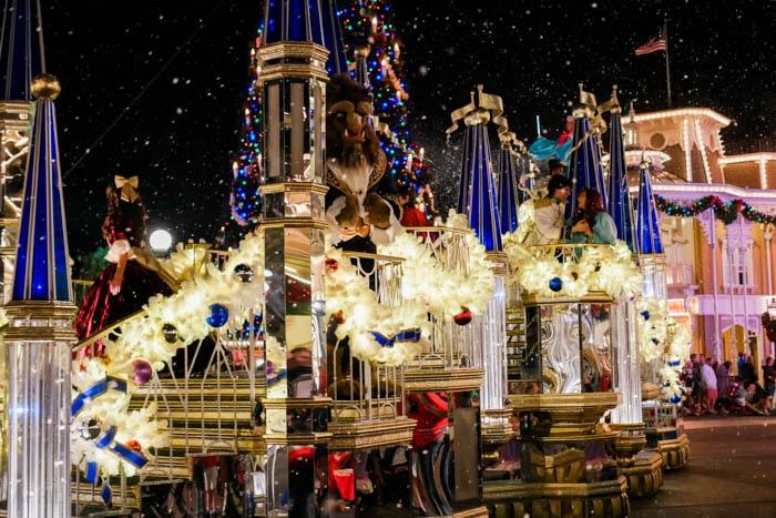 disney-very-merry-christmas-7-of-34