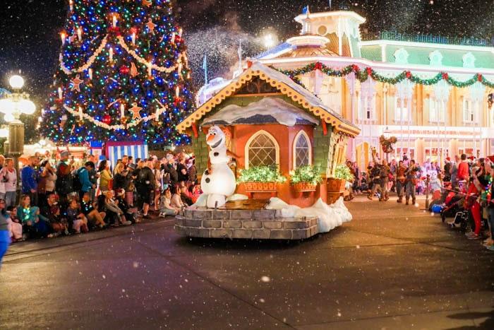 disney-very-merry-christmas-9-of-34