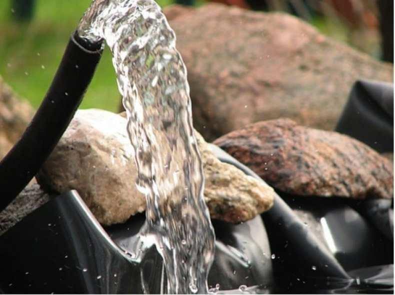 Choisir et dimensionner sa pompe pour l 39 aquaponie for Pompe pour mare