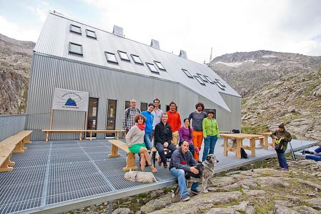 Sergio Rivas, los guardas de Cap de Llauset y amigos tras la inauguración, misión cumplida.