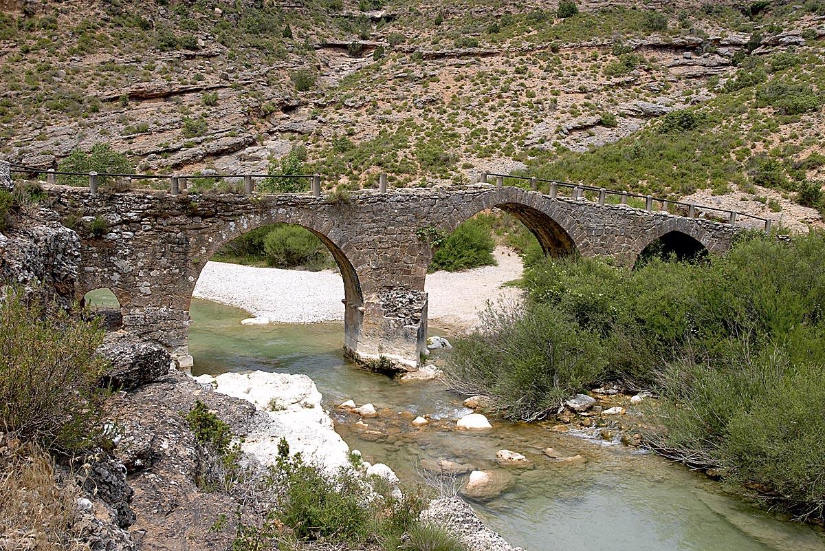 Puente Fuendebaños, Alquézar, Parque Cultural del río Vero. Alquézar. Barranco del río Vero.
