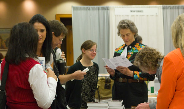 Temple Grandin meeting fans at The Arc's National Convention 2011