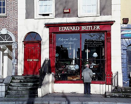 butlers_lge